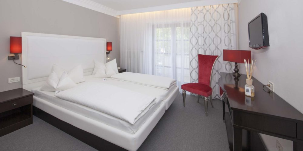 HOTEL-&-CAMERE